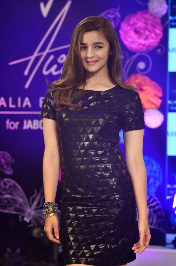 Alia Bhatt Ramp Walk In A Fashion Show