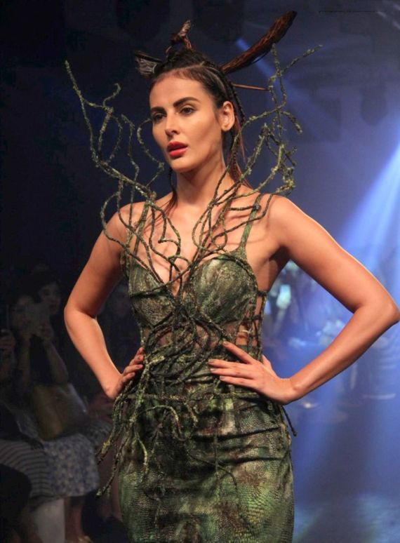 Mandana Karimi Showstopper For Asa Kazingmei At LFW 2016