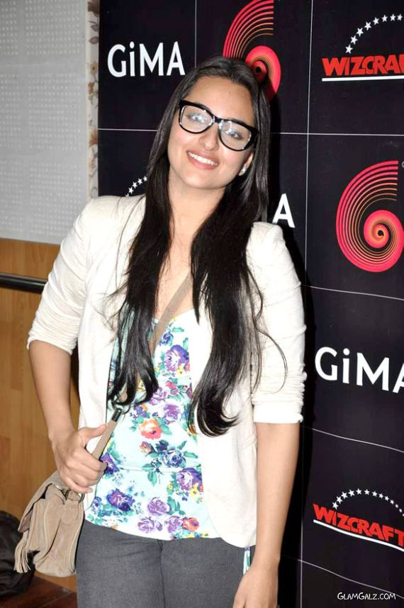 Sonakshi Sinha Rehearses For GIMA Awards