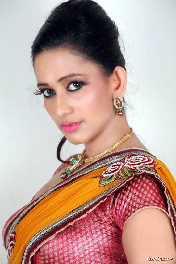 Sizzling Sanjana Singh Photoshoot